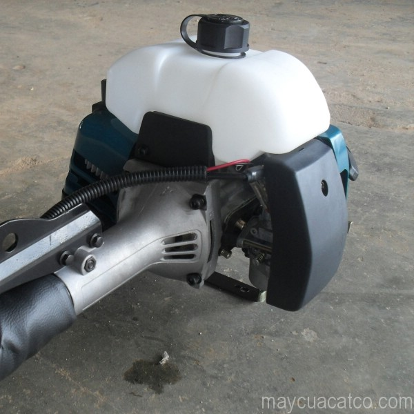 may-cat-co-cam-tay-makita-rbc411-dong-co-xang-2-thi-chinh-hang-3